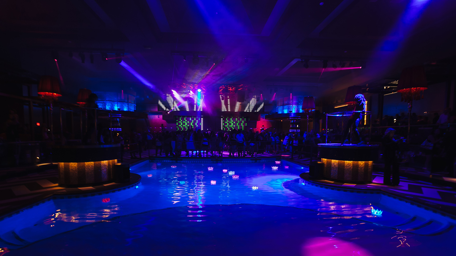 Dancing And Great Pool Lighting In Lex Nightclub At Grand